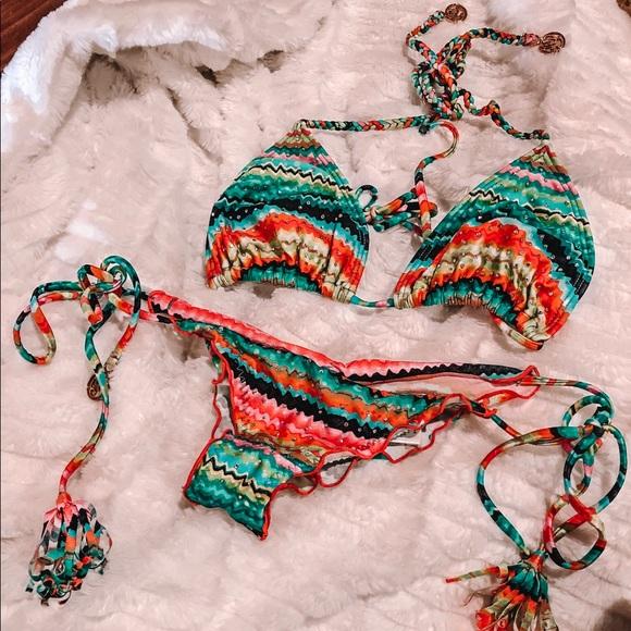 34d2bd7bc309 Luli Fama Hola Verano Crystalized Bikini